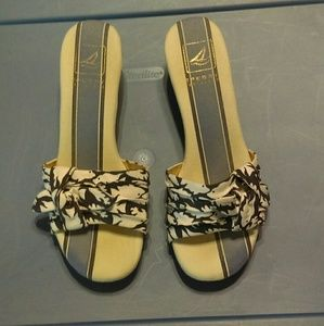 Sperry top slider with cork wedge.